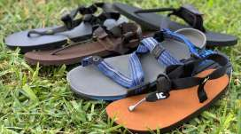 Sandálias minimalista todo-o-terreno: Comparação e diferença